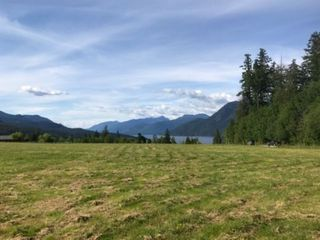 Main Photo: LOT B SANDPIPER Road in Sechelt: Sechelt District Land for sale (Sunshine Coast)  : MLS®# R2459420