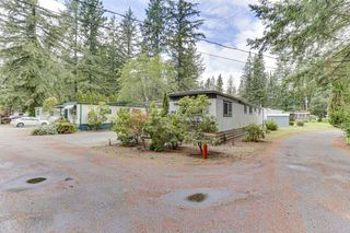 "Photo 2: 62 20071 24 Avenue in Langley: Brookswood Langley Manufactured Home for sale in ""Fernridge"" : MLS®# R2465265"
