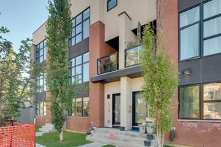Photo 4: 2016 2 Street SW in Calgary: Mission Row/Townhouse for sale : MLS®# A1017799