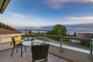 "Photo 11: 14458 BLACKBURN Crescent: White Rock House for sale in ""WHITE ROCK"" (South Surrey White Rock)  : MLS®# R2516605"