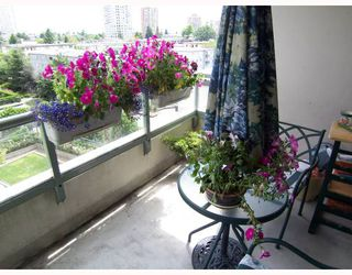 """Photo 9: 504 5848 OLIVE Avenue in Burnaby: Metrotown Condo for sale in """"THE SONNET"""" (Burnaby South)  : MLS®# V661753"""