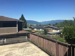 Photo 3: 5434 CHAFFEY Avenue in Burnaby: Central Park BS House for sale (Burnaby South)  : MLS®# R2403603