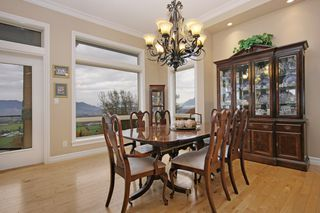 "Photo 5: 281 51075 FALLS Court in Chilliwack: Eastern Hillsides House for sale in ""EMERALD RIDGE"" : MLS®# R2413892"
