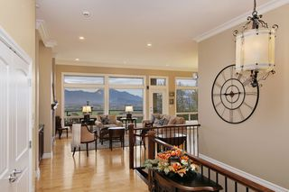 "Photo 2: 281 51075 FALLS Court in Chilliwack: Eastern Hillsides House for sale in ""EMERALD RIDGE"" : MLS®# R2413892"