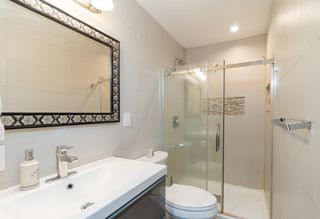 Photo 9: 908 NOOTKA Street in Vancouver: Renfrew VE House for sale (Vancouver East)  : MLS®# R2415898