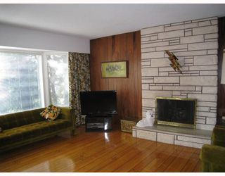 Photo 2: 2412 BIRNEY Place in North Vancouver: Blueridge NV House for sale : MLS®# V795437