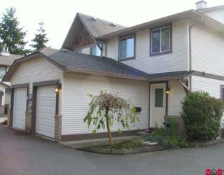 "Photo 1: 6 9539 208TH Street in Langley: Walnut Grove Townhouse for sale in ""COUNTRY BROOK ESTATES"" : MLS®# F2924918"