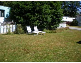 """Photo 4: 70 1413 HIGHWAY 101 BB in Gibsons: Gibsons & Area Manufactured Home for sale in """"THE POPLARS"""" (Sunshine Coast)  : MLS®# V643850"""