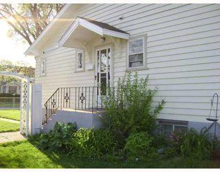 Photo 2: 661 INGERSOLL Street in WINNIPEG: West End / Wolseley Residential for sale (West Winnipeg)  : MLS®# 2809142