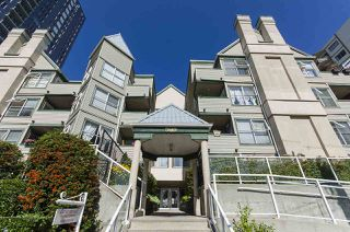 "Main Photo: 313 509 CARNARVON Street in New Westminster: Downtown NW Condo for sale in ""HILLSIDE PLACE"" : MLS®# R2400748"