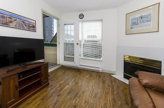 """Photo 8: 313 509 CARNARVON Street in New Westminster: Downtown NW Condo for sale in """"HILLSIDE PLACE"""" : MLS®# R2400748"""