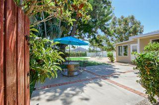 Photo 3: OCEANSIDE House for sale : 3 bedrooms : 1023 Vista Way