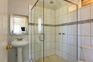 Photo 16: OCEANSIDE House for sale : 3 bedrooms : 1023 Vista Way