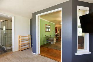 Photo 14: OCEANSIDE House for sale : 3 bedrooms : 1023 Vista Way