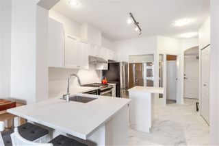 "Main Photo: 302 2175 SALAL Drive in Vancouver: Kitsilano Condo for sale in ""SAVONA"" (Vancouver West)  : MLS®# R2404748"