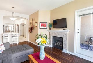 "Photo 5: 302 2175 SALAL Drive in Vancouver: Kitsilano Condo for sale in ""SAVONA"" (Vancouver West)  : MLS®# R2404748"