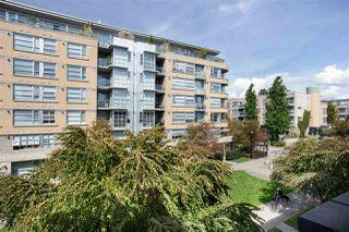 "Photo 16: 302 2175 SALAL Drive in Vancouver: Kitsilano Condo for sale in ""SAVONA"" (Vancouver West)  : MLS®# R2404748"