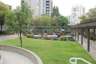 "Photo 25: 1806 39 SIXTH Street in New Westminster: Downtown NW Condo for sale in ""QUANTUM"" : MLS®# R2408457"
