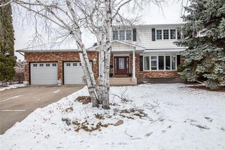 Photo 1: 46 Hagen Drive in Winnipeg: Westwood Residential for sale (5G)  : MLS®# 1928507