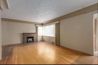 Photo 2: 3399 EDGEMONT Boulevard in North Vancouver: Edgemont House for sale : MLS®# R2424242