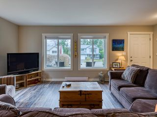 Photo 3: 2582 WINDERMERE Avenue in CUMBERLAND: CV Cumberland House for sale (Comox Valley)  : MLS®# 833211