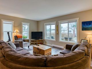 Photo 14: 2582 WINDERMERE Avenue in CUMBERLAND: CV Cumberland House for sale (Comox Valley)  : MLS®# 833211
