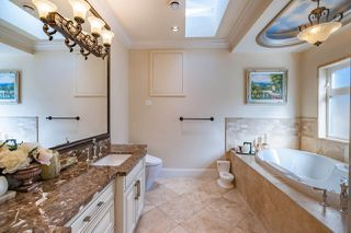 """Photo 11: 11460 SEAHURST Road in Richmond: Ironwood House for sale in """"IRONWOOD"""" : MLS®# R2449699"""