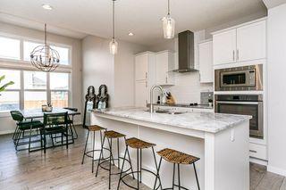 Photo 9: 8524 24 Avenue in Edmonton: Zone 53 House for sale : MLS®# E4198895