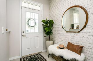 Photo 3: 8524 24 Avenue in Edmonton: Zone 53 House for sale : MLS®# E4198895