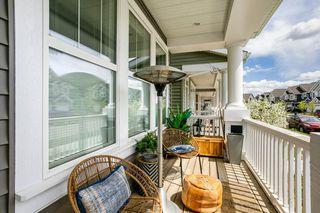 Photo 2: 8524 24 Avenue in Edmonton: Zone 53 House for sale : MLS®# E4198895