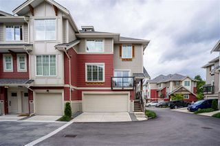 Photo 2: 32 20498 82 Avenue in Langley: Willoughby Heights Townhouse for sale : MLS®# R2470159