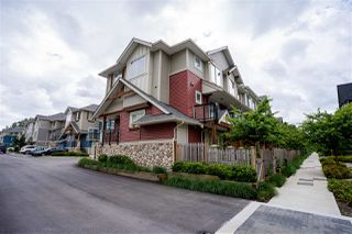 Photo 3: 32 20498 82 Avenue in Langley: Willoughby Heights Townhouse for sale : MLS®# R2470159