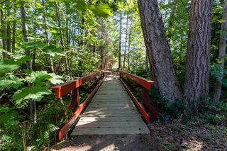 Photo 31: 400 Holiday Rd in : CV Union Bay/Fanny Bay House for sale (Comox Valley)  : MLS®# 855565
