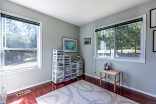 Photo 15: 400 Holiday Rd in : CV Union Bay/Fanny Bay House for sale (Comox Valley)  : MLS®# 855565