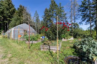 Photo 35: 400 Holiday Rd in : CV Union Bay/Fanny Bay House for sale (Comox Valley)  : MLS®# 855565