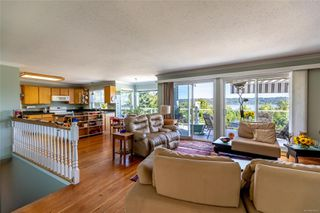 Photo 7: 400 Holiday Rd in : CV Union Bay/Fanny Bay House for sale (Comox Valley)  : MLS®# 855565
