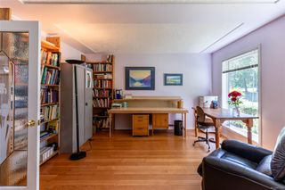 Photo 11: 400 Holiday Rd in : CV Union Bay/Fanny Bay House for sale (Comox Valley)  : MLS®# 855565