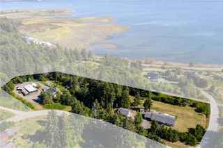 Photo 39: 400 Holiday Rd in : CV Union Bay/Fanny Bay House for sale (Comox Valley)  : MLS®# 855565
