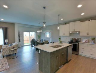 Photo 4: 29 McCrindle Bay in Winnipeg: Residential for sale (1H)  : MLS®# 202023573