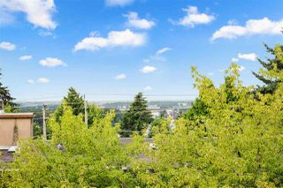 Photo 31: 305 340 NINTH STREET in New Westminster: Uptown NW Condo for sale : MLS®# R2477405