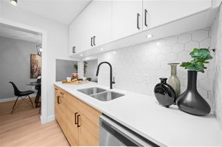 Photo 3: 305 340 NINTH STREET in New Westminster: Uptown NW Condo for sale : MLS®# R2477405