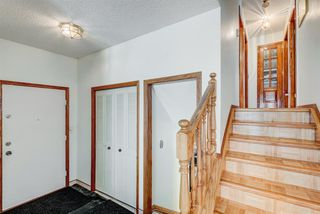 Photo 2: 35 Thornaby Crescent NW in Calgary: Thorncliffe Detached for sale : MLS®# A1046988