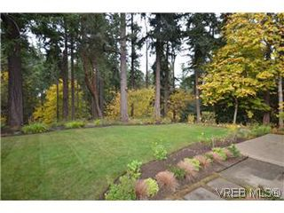 Photo 16: 2530 Chelsea Place in VICTORIA: SE Cadboro Bay Residential for sale (Saanich East)  : MLS®# 301465