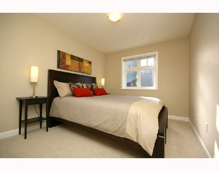 Photo 9: 1962 E 3RD Avenue in Vancouver: Grandview VE House 1/2 Duplex for sale (Vancouver East)  : MLS®# V695012