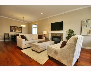 Photo 2: 1962 E 3RD Avenue in Vancouver: Grandview VE House 1/2 Duplex for sale (Vancouver East)  : MLS®# V695012