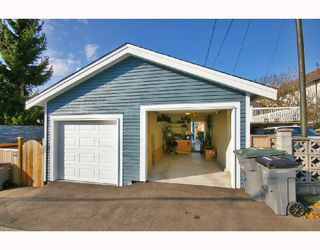 Photo 10: 1962 E 3RD Avenue in Vancouver: Grandview VE House 1/2 Duplex for sale (Vancouver East)  : MLS®# V695012