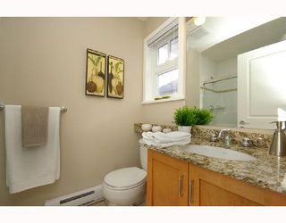 Photo 8: 1962 E 3RD Avenue in Vancouver: Grandview VE House 1/2 Duplex for sale (Vancouver East)  : MLS®# V695012