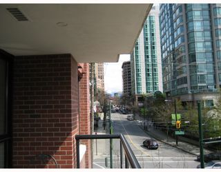 "Photo 9: 403 909 MAINLAND Street in Vancouver: Downtown VW Condo for sale in ""YALETOWN PARK"" (Vancouver West)  : MLS®# V701046"