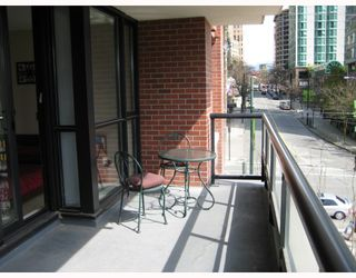 "Photo 8: 403 909 MAINLAND Street in Vancouver: Downtown VW Condo for sale in ""YALETOWN PARK"" (Vancouver West)  : MLS®# V701046"