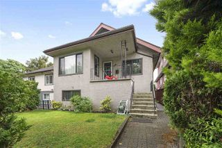 Main Photo: 986 E 10TH Avenue in Vancouver: Mount Pleasant VE House for sale (Vancouver East)  : MLS®# R2405838